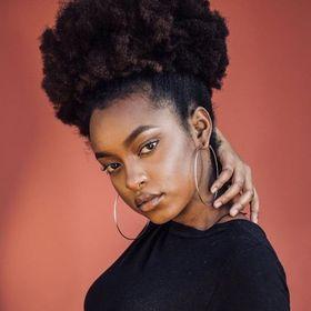 Khanyisa Lucia
