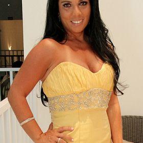 Amanda Accioli (Amandica Indica)