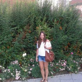 Mónika Virág