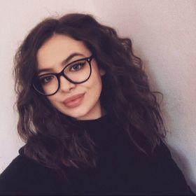 Ionela-Laura