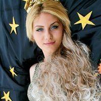 Nadia Smitth