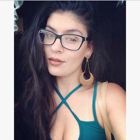 Yasmin Liquer Navarro