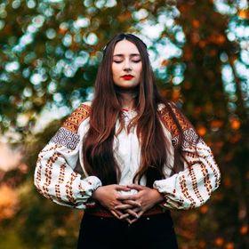a6049a4c22 Simona-Elena Niculescu (simonaelenan) on Pinterest