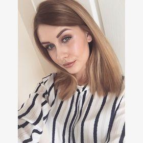 Chloe Sharpless