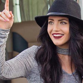 Kaley Dignen | Christian Blogger, Model and Speaker
