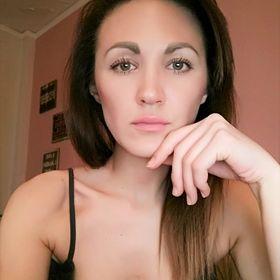 Ioylia Pug