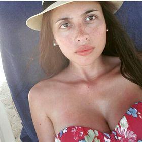 Josefina Saravia