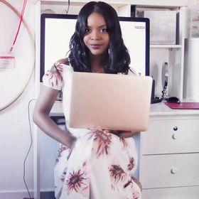 BecomingTia | video editing, design, + website tips for female entrepreneurs