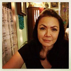 Rowena Aquino