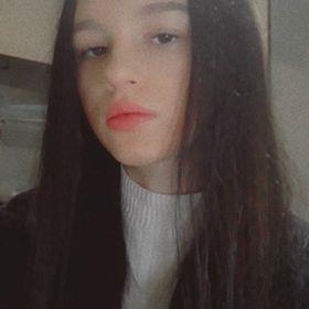 Réka Hirsch