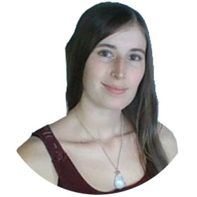 Emily @ Savvy Digital Nomad | Website Designer | Entrepreneur + Blogging Tips