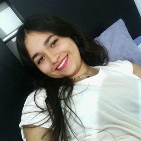 Angie T. Romero ♡