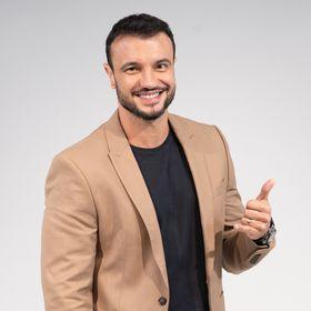 Adriano Medeiros