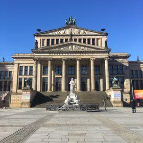 Thomas Fisher #Berlin #Marketing für Immo- SocialMedia für Gastro