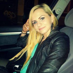 Christa V.