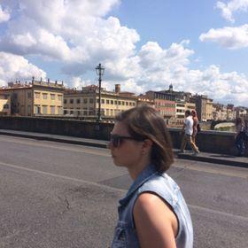 ffc447545057f Serena Bresciani (brescianiserena) on Pinterest