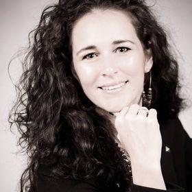 Laura Liszter