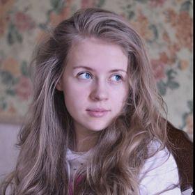 Алёнка Лисовская