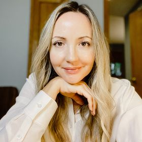 Lisa Haukom | Golden Brand | Branding Vision | Content Direction