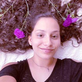 Nabila Eve | Teen Creator