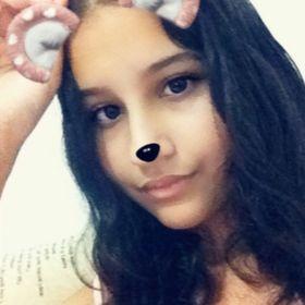 Estela Souza
