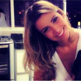 Karyne Oliveira