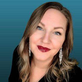Sasha | Online Marketing Strategies | Blogging for Beginners | Make Money Online