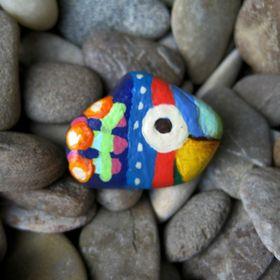 Pandala Islands / Mesekavics Painted Pebble Magnets