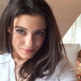 Stephanie Brattesani