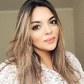 Aline Gazola