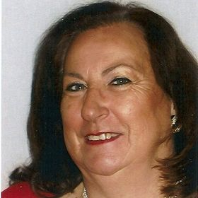 Claudia Stollbert Berekhet