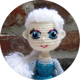 Best Amigurumi Tips and Tricks for Doll Faces - thefriendlyredfox.com | 280x280