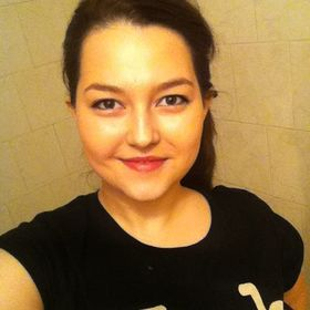 Laura Paradeiserova