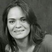 Ana Lira Ibanhes Krohn de Carvalho