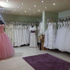 427502d558 Eternity Esküvői Ruhaszalon (eternityszalon) a Pinteresten