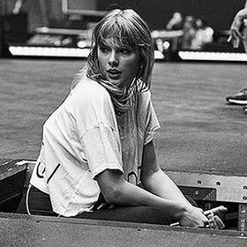 Taylor Swiftie #F4F