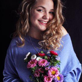 Lisa von FLOWERSANDCROWNS