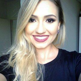 Larissa Carvalhaes