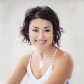 Ines Kerry Cassandra