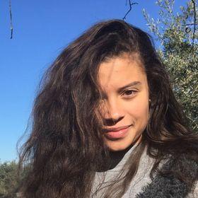 Ana Cláudia Araújo