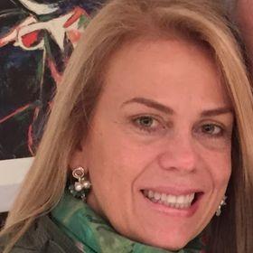 Rosalia Moros de Borregales