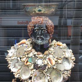 Ana de la Riva