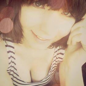MOMOKO. ♥