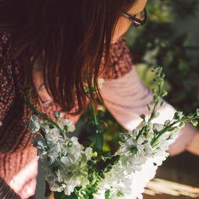 The Linen Garden - Vicky Trainor