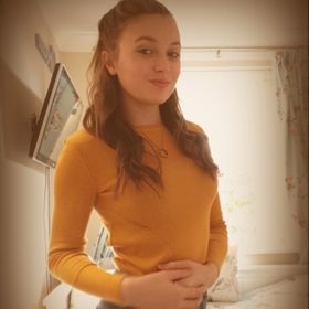 Zoe Perry Zoeperry14 On Pinterest