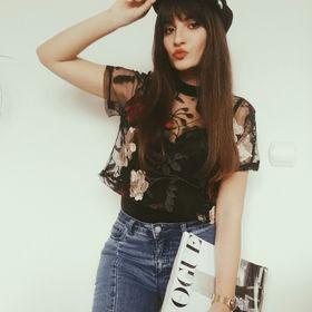 Sandina Fashion Blogger