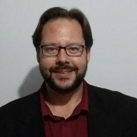 Pr. Leandro Hüttl Dias