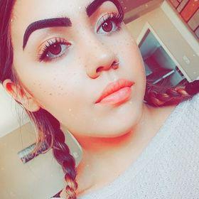 Tiara Wineera