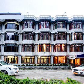 Mountain Top Hotel   Best Hotel In Manali + Manali Hotel