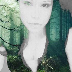 Nadine Veronica